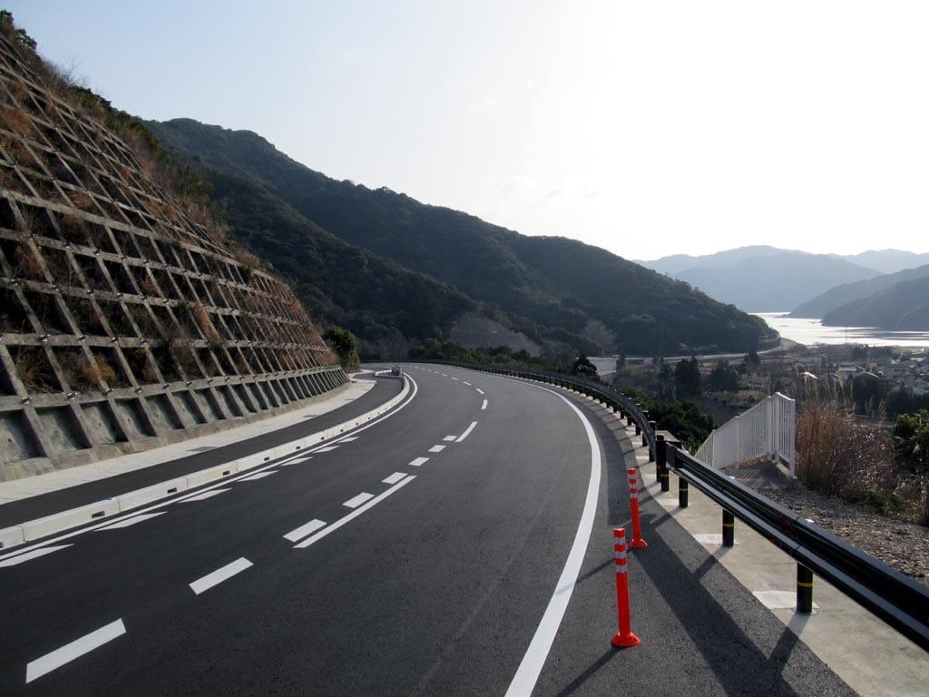気持ちのいいドライブウェイ。日本一?のヤッホーポイントも。