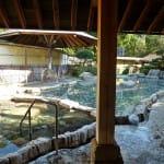 源泉かけ流しの大露天風呂と日本屈指の貸切露天風呂