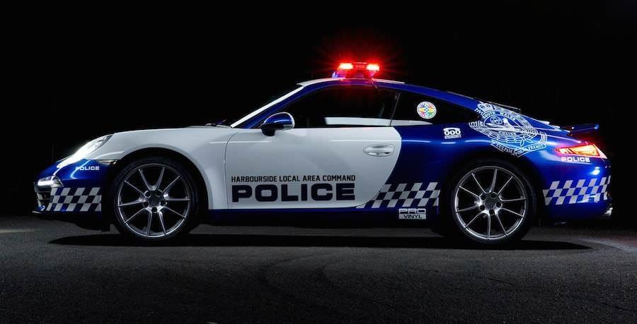 Porsche-911-police-car-01