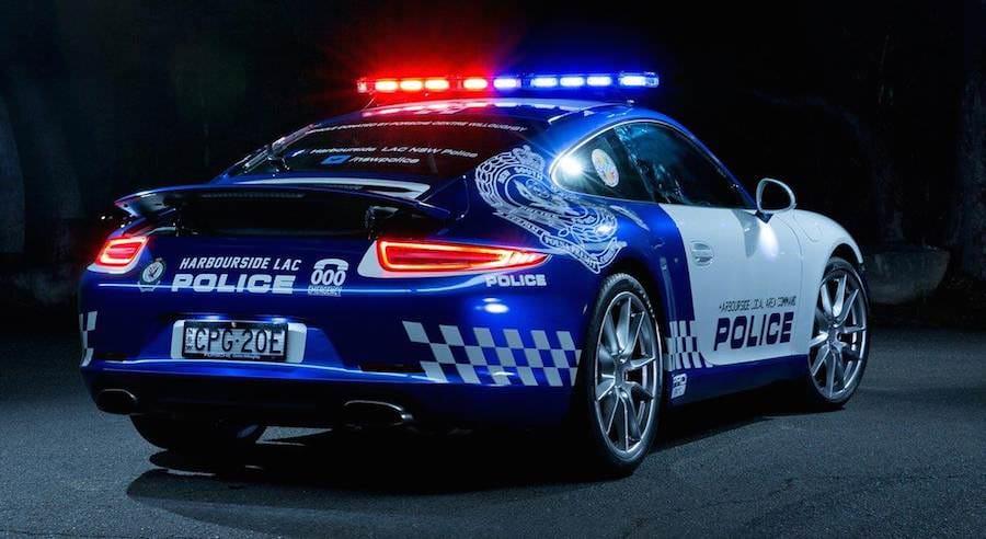 Porsche-911-police-car-02