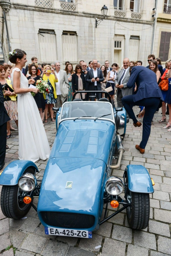 this-caterham-165-was-the-perfect-wedding-day-companion-for-this-french-couple-1476934193045-2000x2997