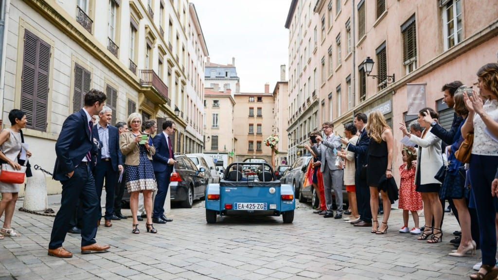 this-caterham-165-was-the-perfect-wedding-day-companion-for-this-french-couple-1476934193086-2000x1125